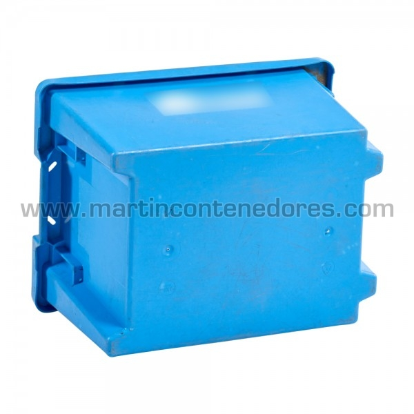 caja de plástico usada