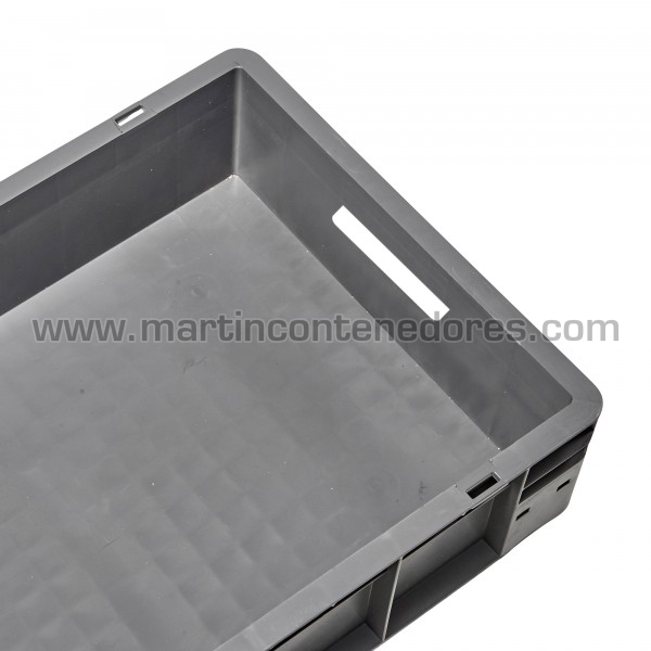 caja plástica con fondo plano