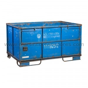 Stacking steel box...